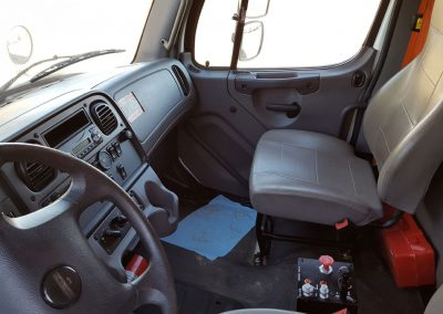 2015 Freightliner Business Class M2 FOR SALE